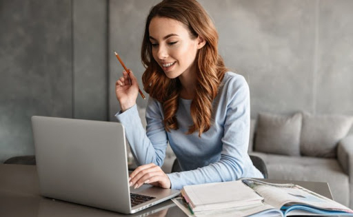 7 carreras que puedes estudiar en línea